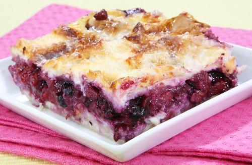 Шарлотка с ягодами рецепт пошагово в духовке