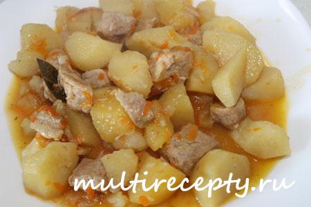 Картошка с мясом в мультиварке фото