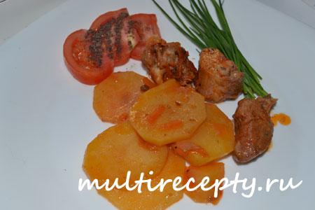 Жареный картофель с индюшиным мясом фото