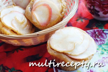 Кексы с карамелизированными яблоками