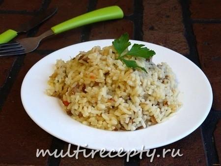 Рисовая каша с тушенкой в мультиварке