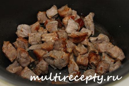 Поджаренное мясо в мультиварке