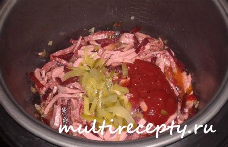Потушить колбасу в рассоле
