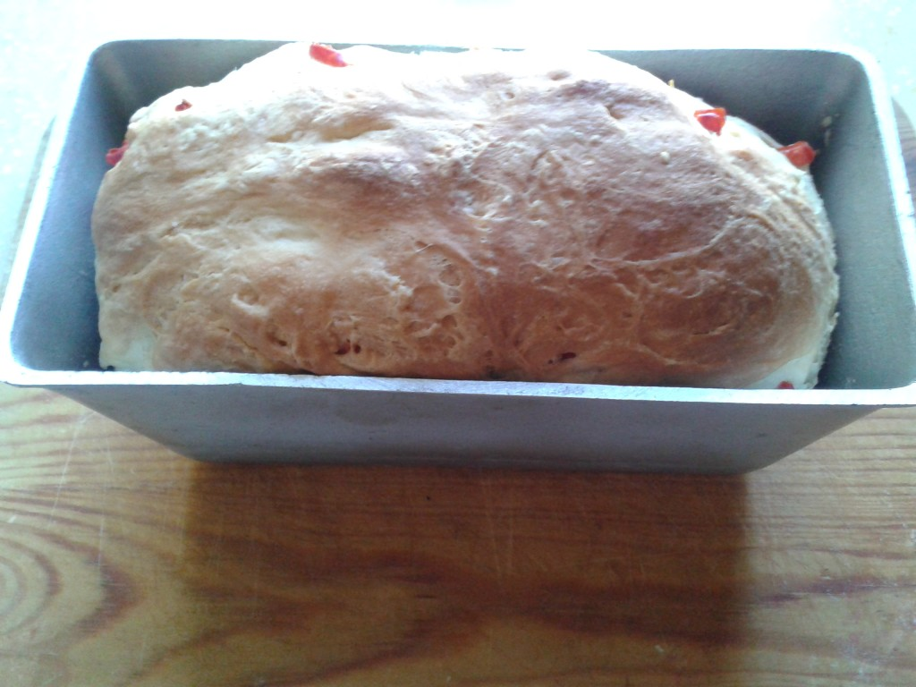 Готовый хлеб из духовки