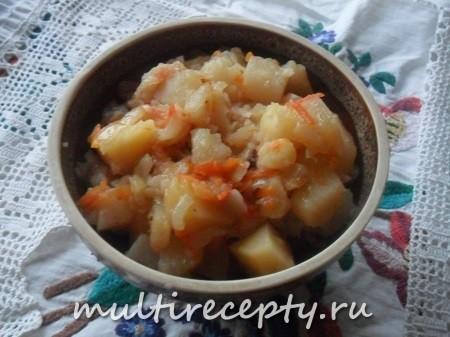 Постный картофель с капустой в мультиварке