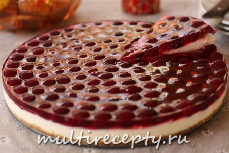 Торт с вишневым желе без выпечки